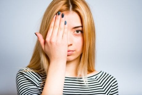 exersează tehnici de ochi pentru îmbunătățirea vederii)