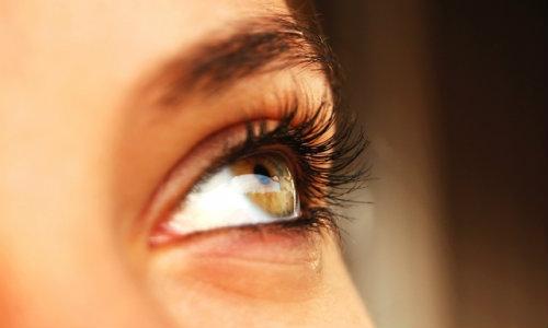 ochii și vederea la femei