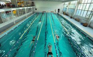 cum afectează piscina viziunea)