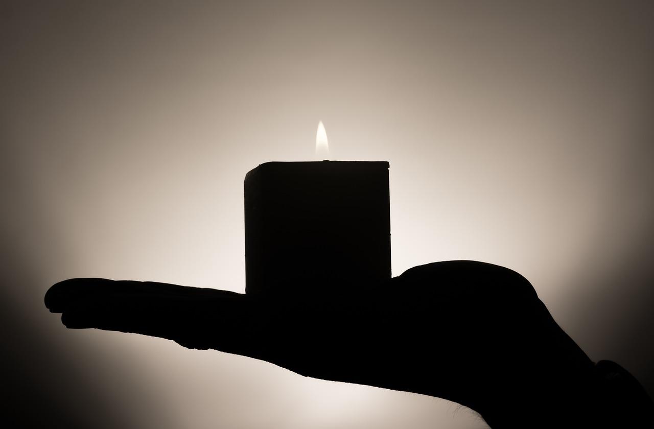 exercițiu la lumina lumânărilor
