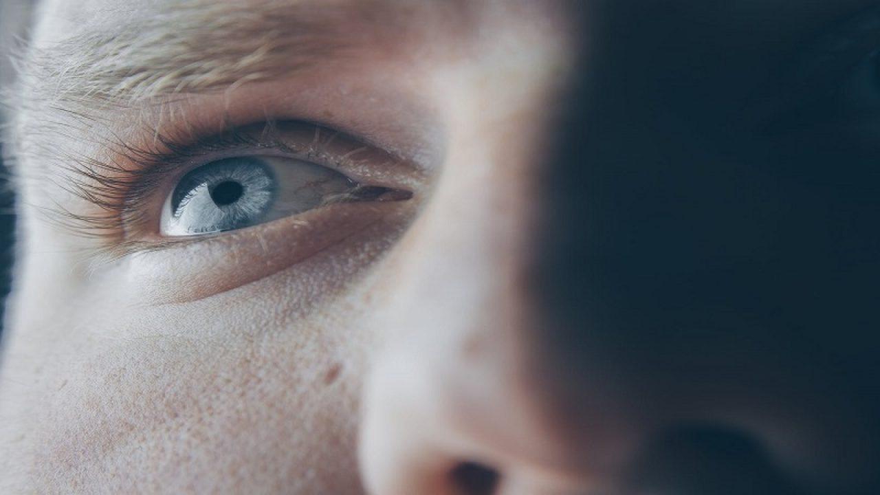 vederea a căzut în ochiul drept