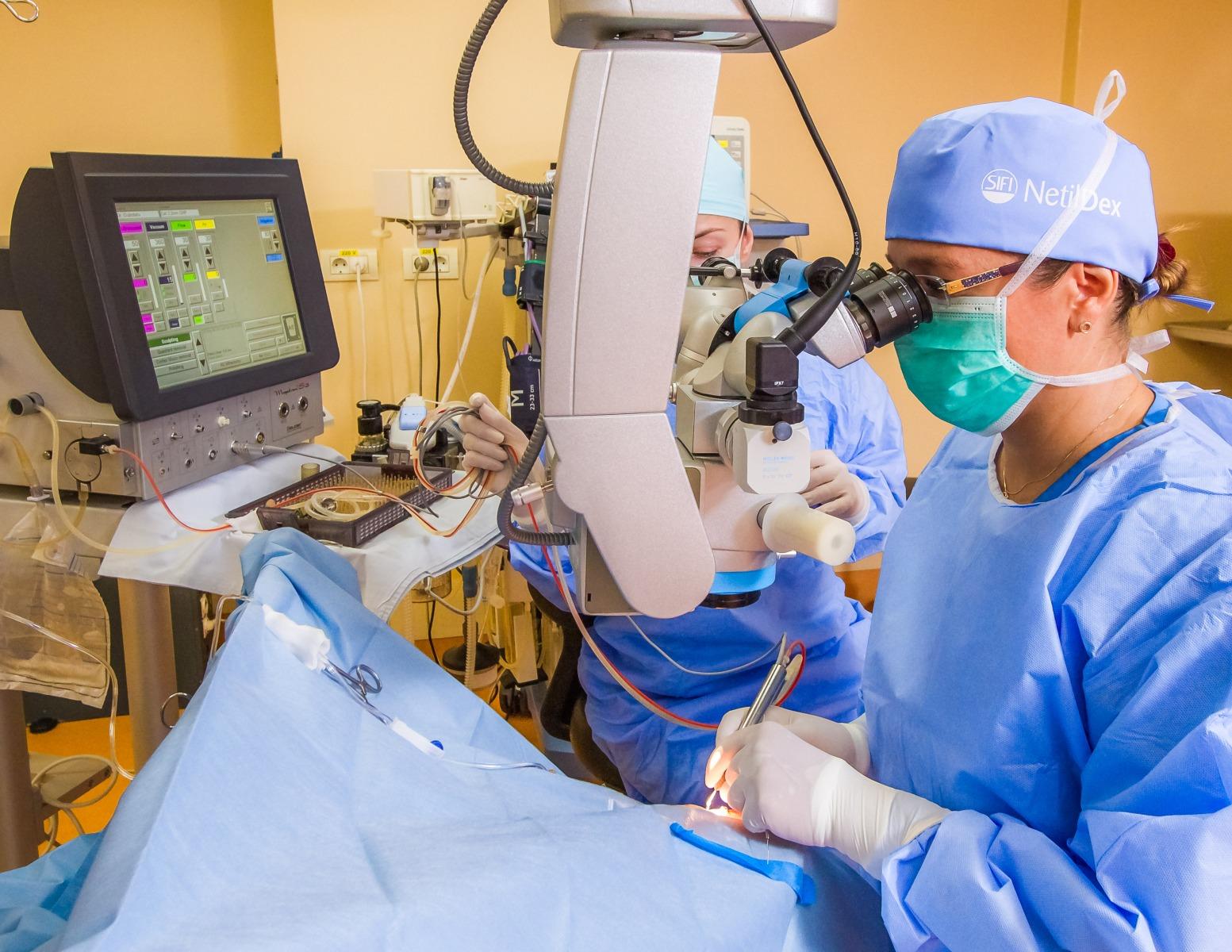 Îmbunătățirea vederii prin terapie cu laser