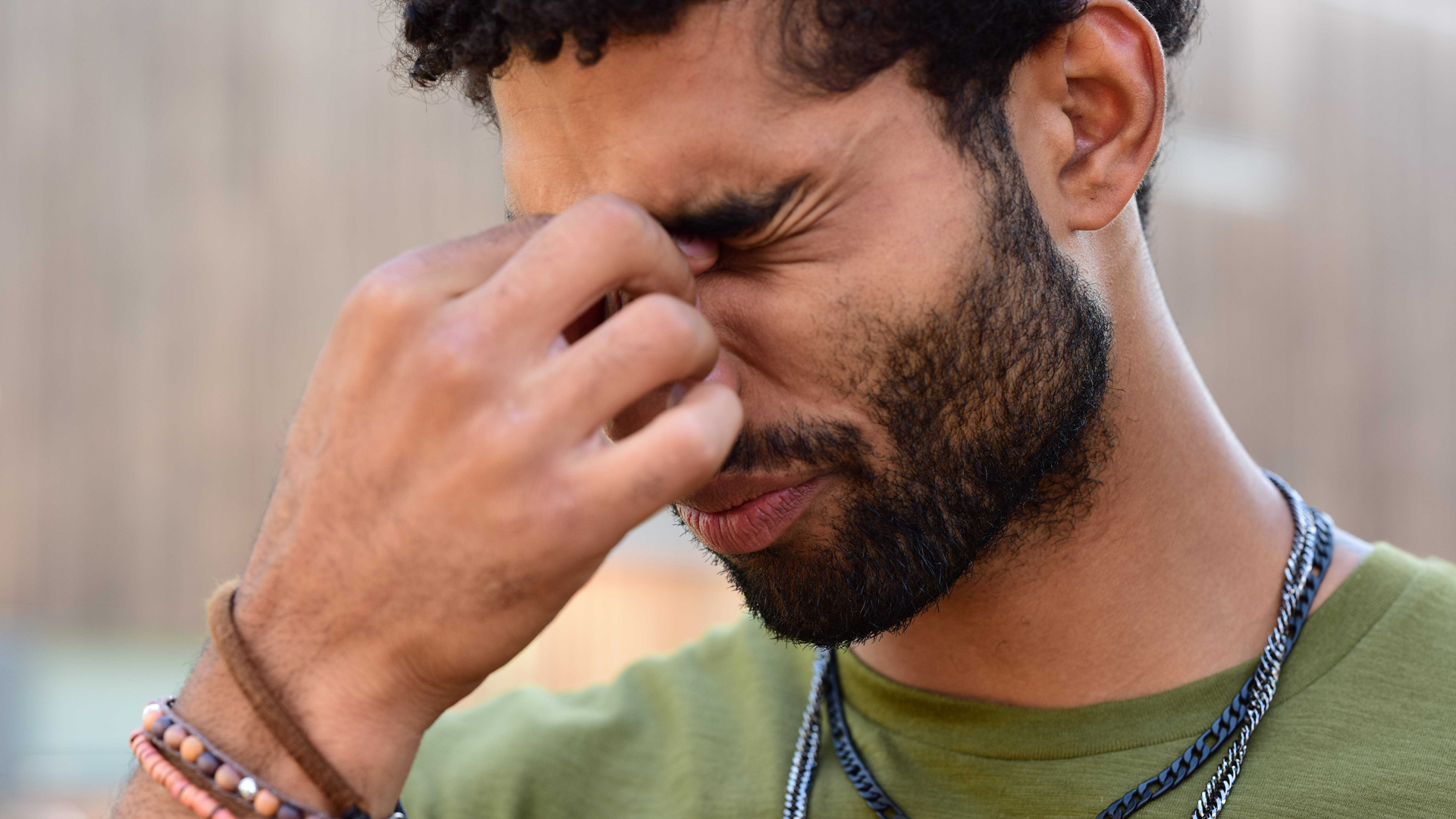 Oboseala, suprasolicitarea și iritarea ochilor – ce le cauzează și cum să scăpați de ele.