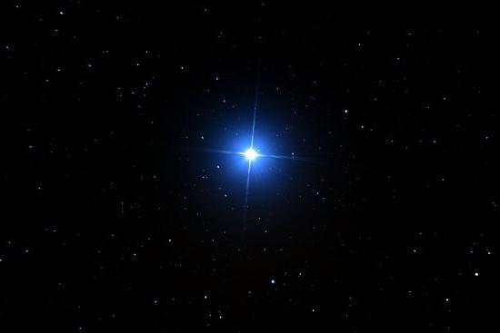 care dintre stele are o vedere slabă