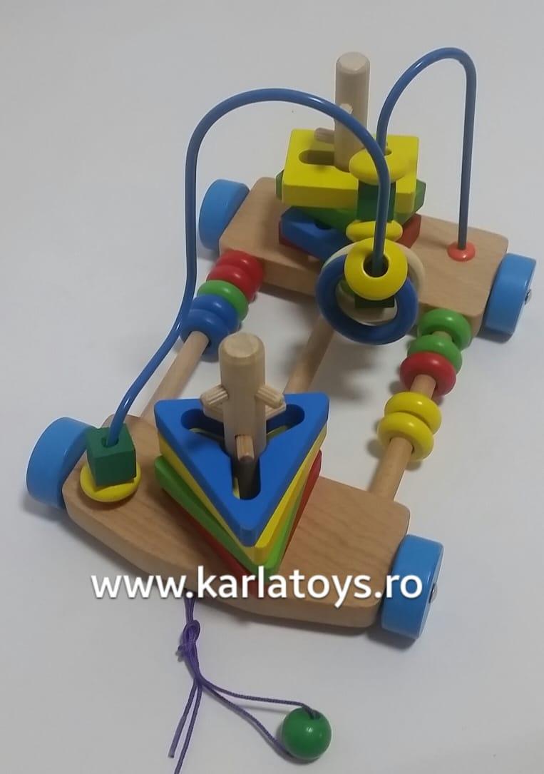 Jucarie de lemn de tras labirint si forme geometrice