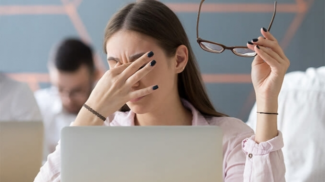 Sfaturi si noutati – Page 10 – Despre ochi, Cum computerul strică vederea