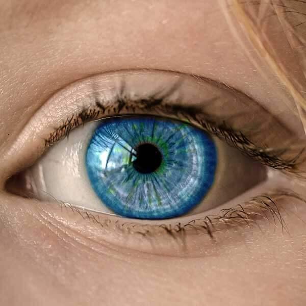 zvâcniri ale ochilor; vedere deteriorată