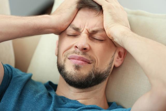 lovitura la cap poate afecta vederea)