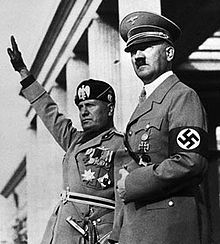 Hitler avea o vedere slabă)