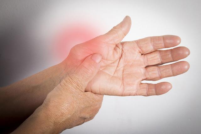 modul în care artrita reumatoidă afectează vederea)