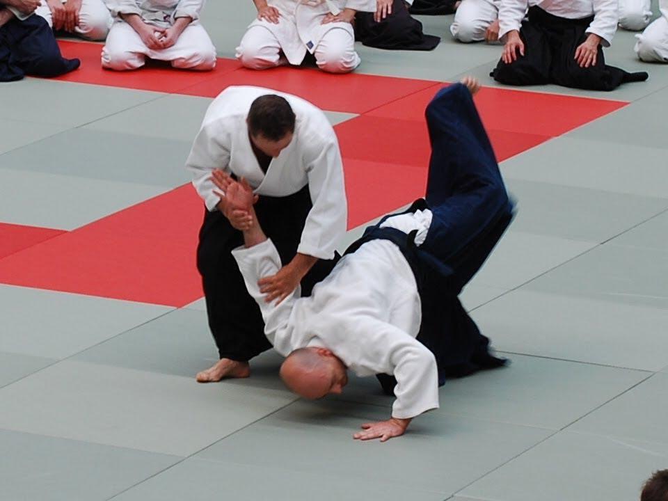 vedere slabă și karate