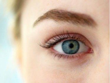 Cum îţi îmbunătăţeşti vederea fără ochelari