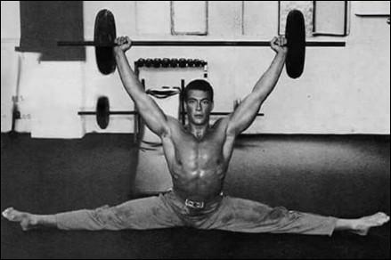 Fiica lui Van Damme a moștenit pasiunea pentru artele marțiale de la tatăl său