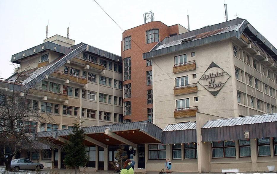 Spital clinic oftalmolog oraș 51, Medicii și asistenții, la datorie: spitale deschise de Crăciun