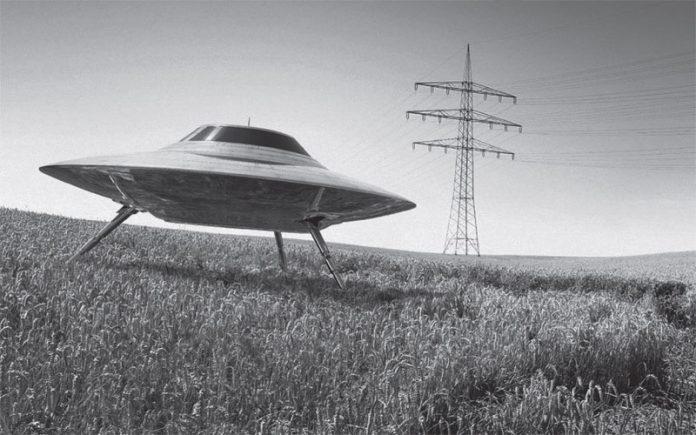viziunea unui prădător și extraterestru