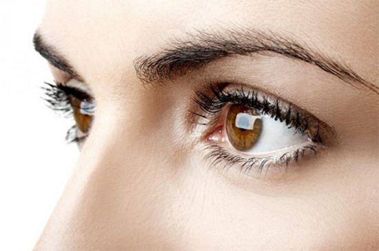 scăderea acuității vizuale la bătrânețe)
