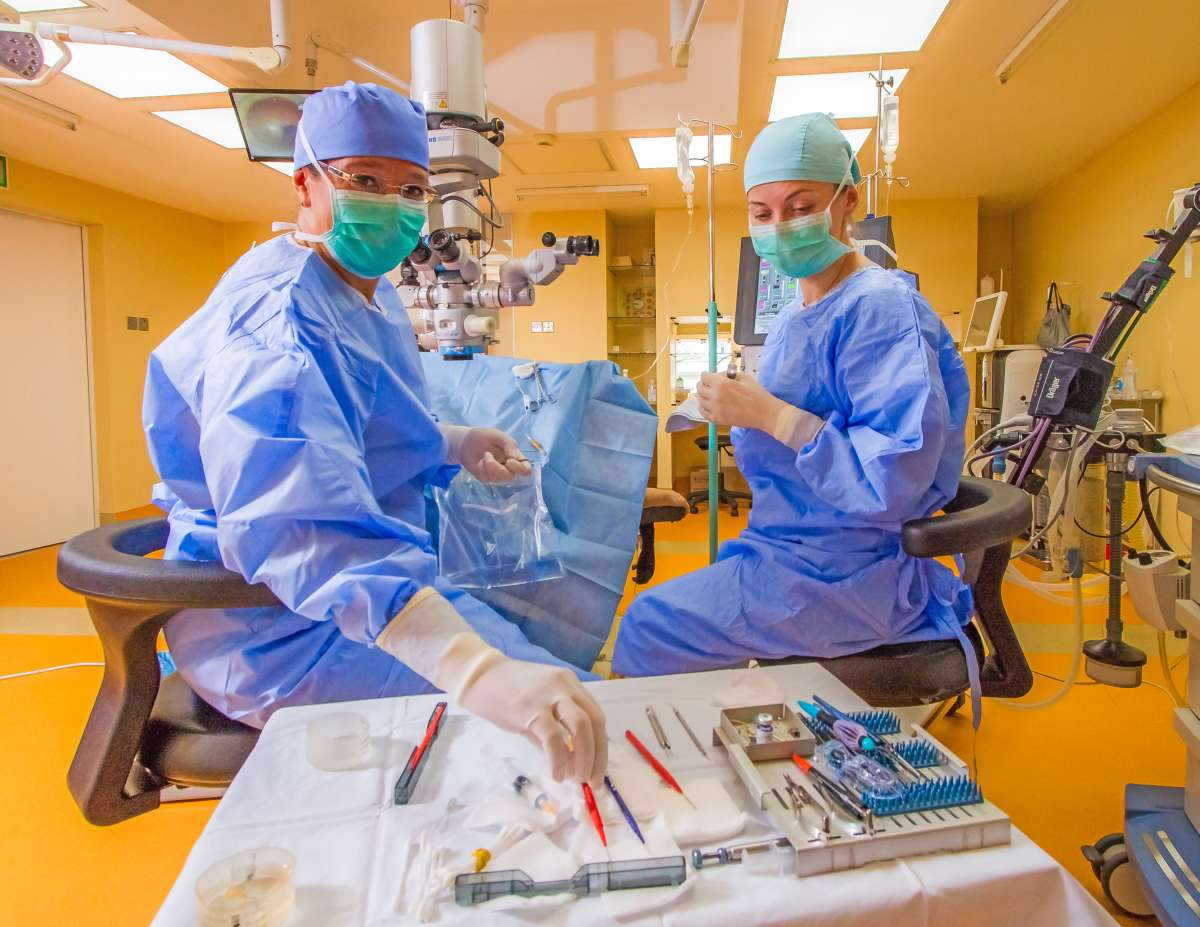 chirurgia vederii după naștere)