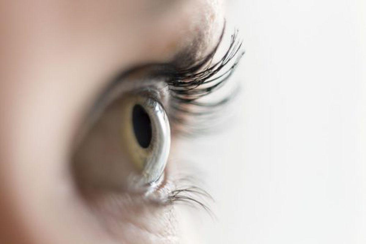 ochii rănesc vederea bună)