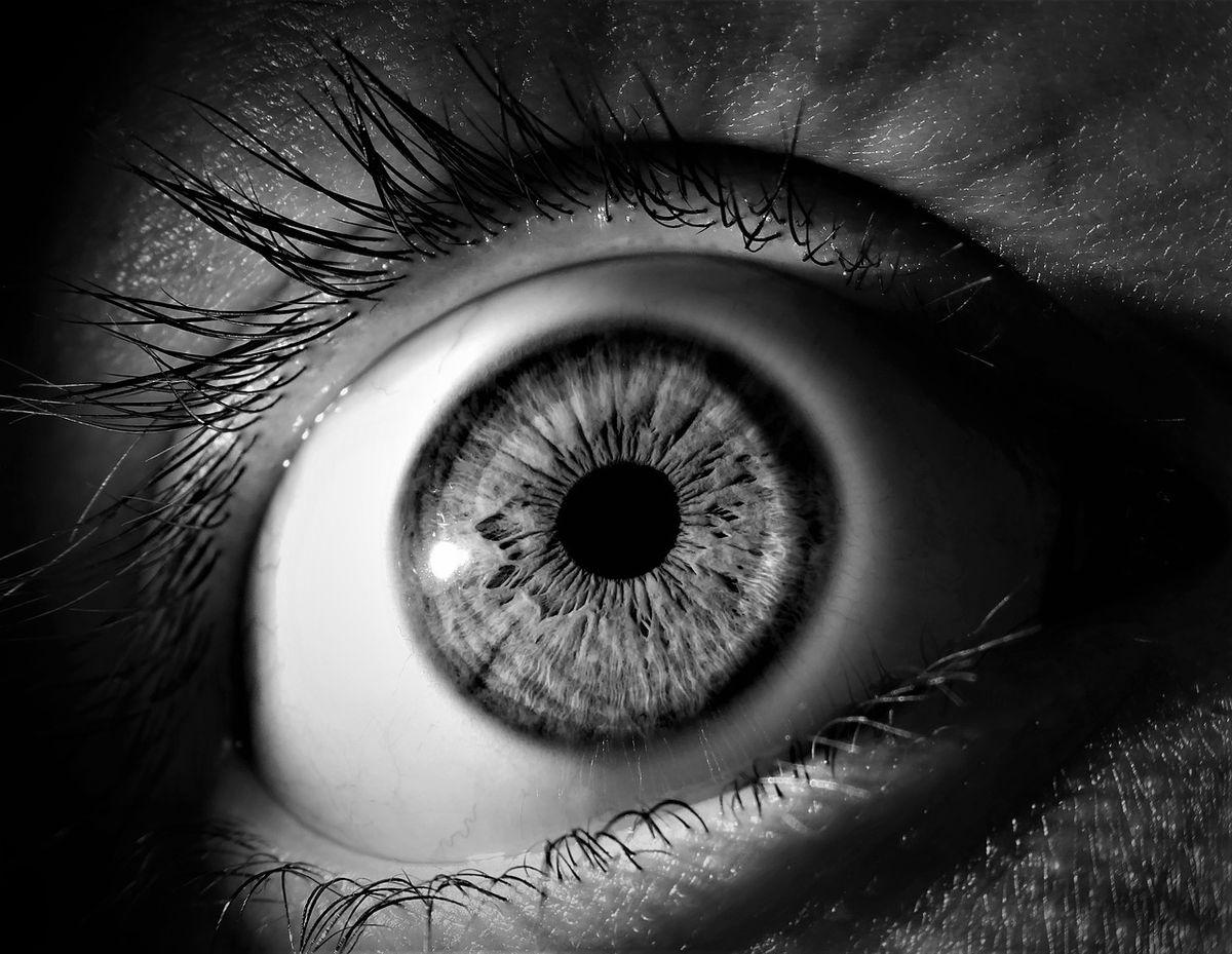 ochii răniți, vedere încețoșată