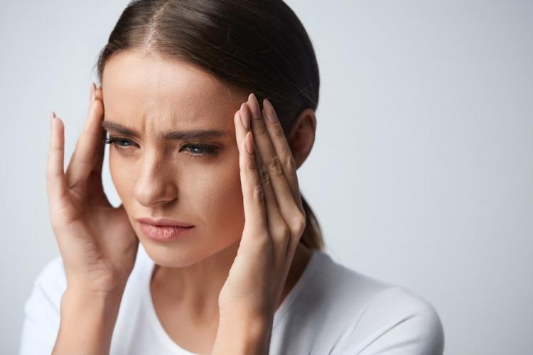 vedere încețoșată și dureri de gât