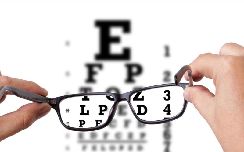 viziune singulară vederea zboară în fața ochilor