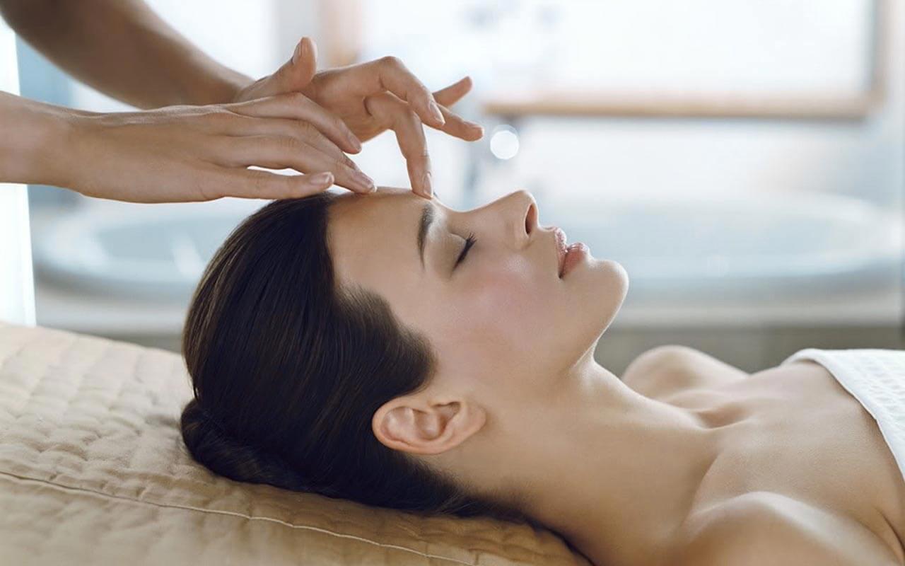 masajul poate îmbunătăți vederea)