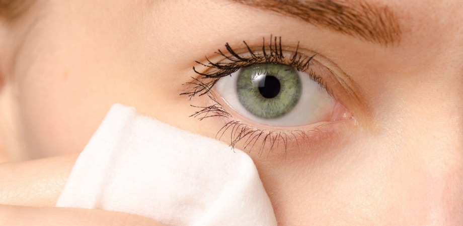 ochi pică miopia