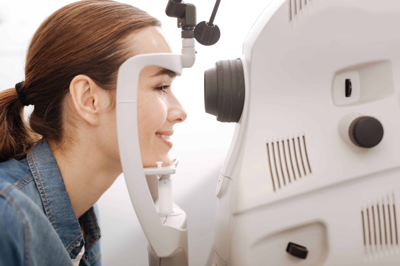 consultări medicale cu un oftalmolog îmbunătățiți viziunea împreună