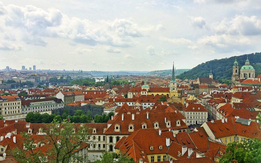 test de ochi în pasajul Praga)
