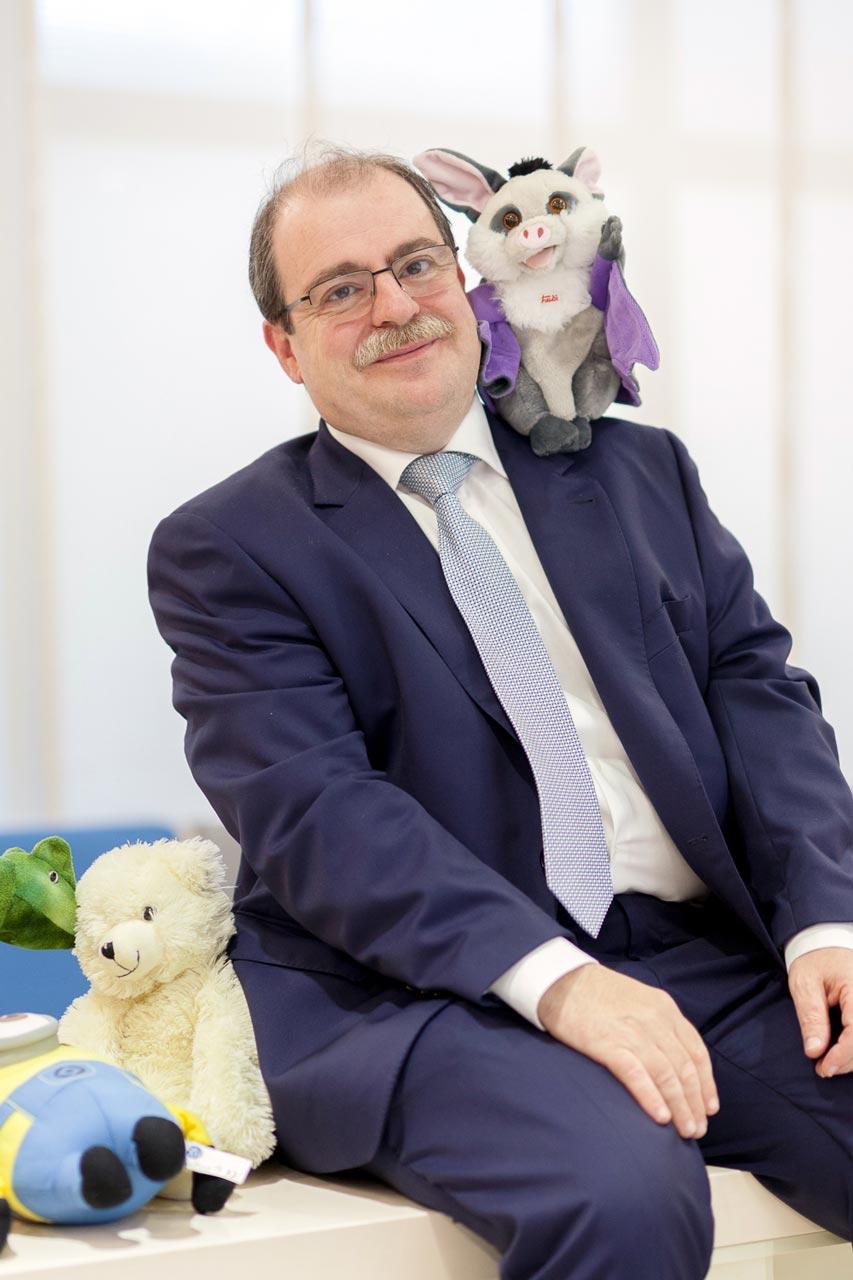 Dr. Carlos Oftalmolog